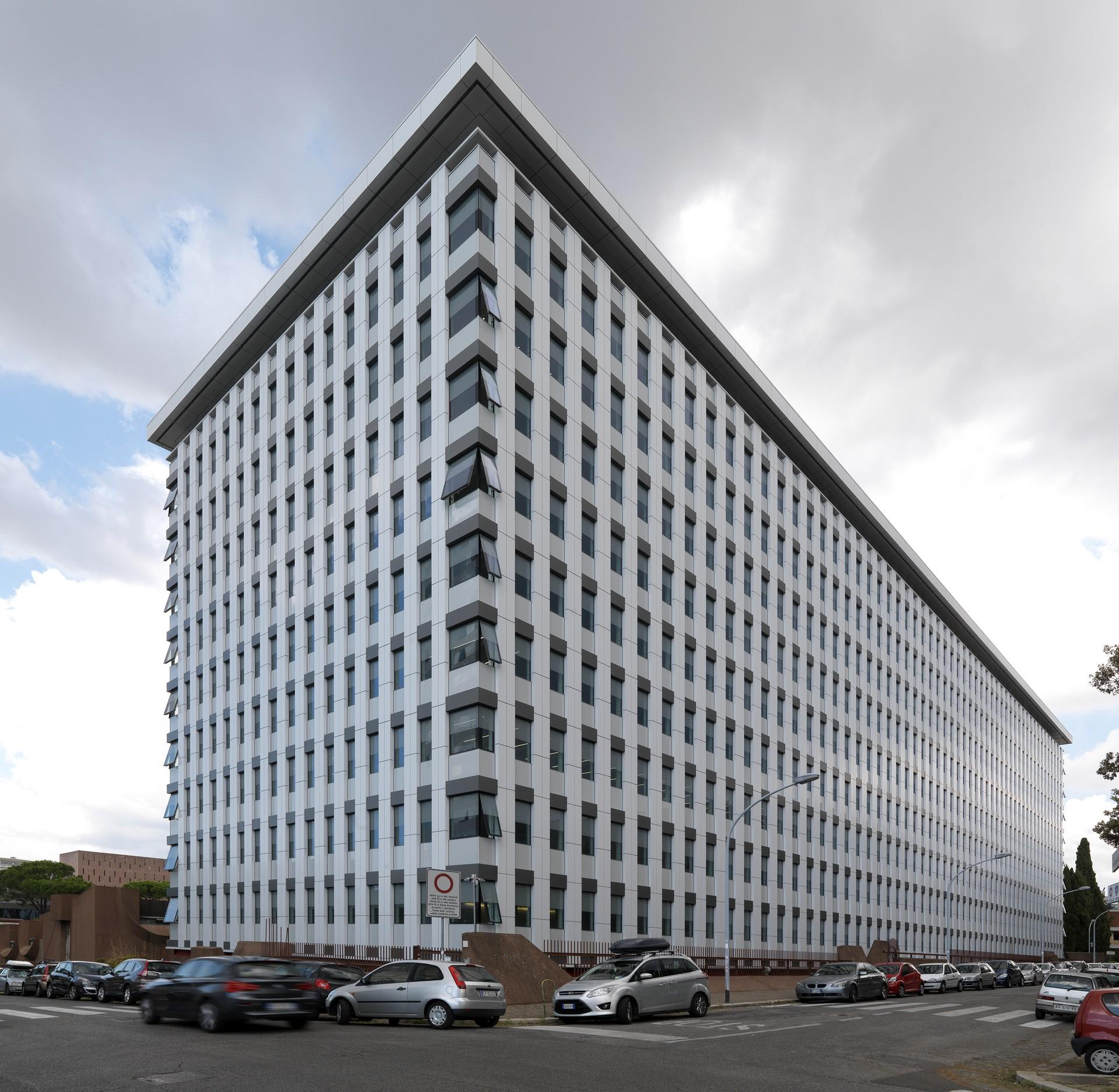 Edificio per uffici lotto a b via dell arte roma for Uffici virtuali roma